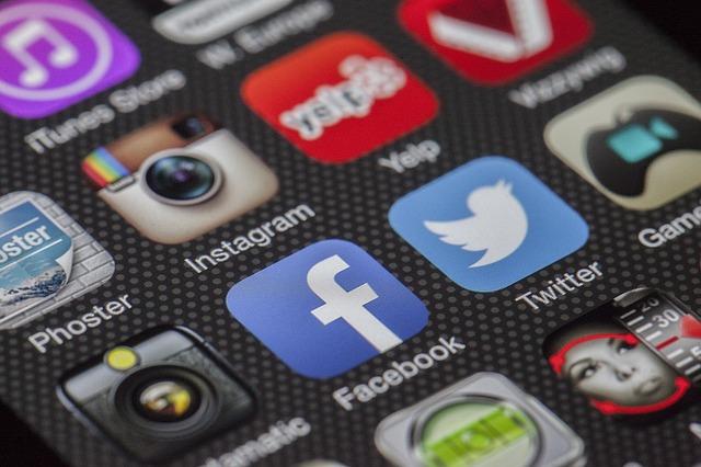 Social Media Boast 2